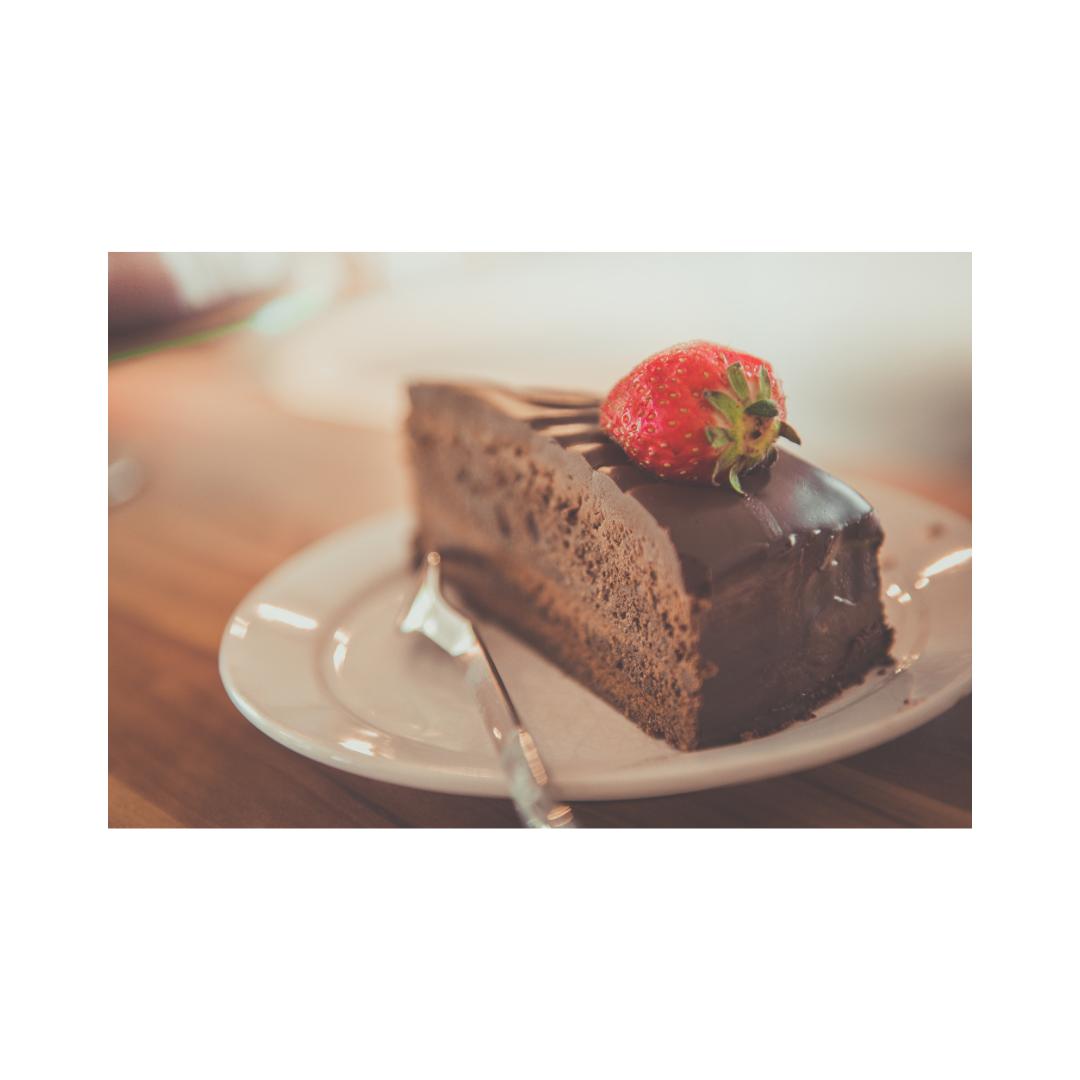 イチゴのショートチョコケーキ